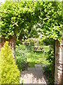 SU0931 : Wilton, pub garden by Mike Faherty