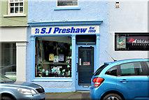 "J2664 : ""Preshaw's"", Lisburn (May 2014) by Albert Bridge"