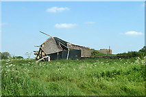 SU2991 : Barrowbush Barn by Robin Webster