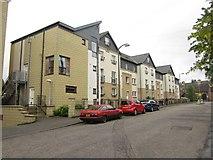 NT2774 : Modern flats, Spring Gardens, Edinburgh by Graham Robson