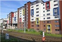 NZ2564 : Modern flats beside the East Coast Main Line by Russel Wills