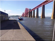 NT1378 : Oil terminal ferry arriving Hawes Pier by Stanley Howe
