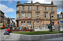 NN1073 : Cameron Square by Anne Burgess