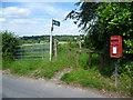 TQ4063 : Footpath from Nash Lane by Marathon
