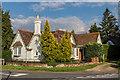 TQ1949 : Lodge, Kiln Lane by Ian Capper