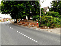 TL8146 : A1092 Melford Road & Cavendish Station Edward VII Postbox by Adrian Cable
