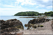 NX6548 : Rocks at Nun Mill Bay by Billy McCrorie