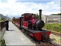 SH5639 : Gertrude the locomotive by Richard Hoare