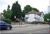 TQ1979 : Gunnersbury Crescent by N Chadwick