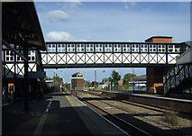 TA2609 : Footbridge, Grimsby Railway Station by JThomas