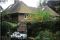 SK2692 : Yellow bikes promoting 'Le Grand Départ': Low Bradfield by Graham Hogg