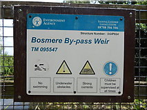 TM0954 : Bosmere By-pass Weir by Hamish Griffin