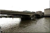 TQ3280 : London Bridge by Steve Daniels
