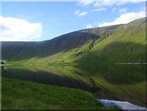 NN4546 : Steep frowning glories of Meall Cruinn above Loch an Daimh in Glen Lyon by ian shiell
