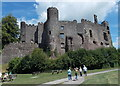 SN3010 : Laugharne Castle by Jaggery