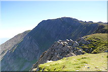 SH7013 : Creigiau Pen y Gadair Crags by Ian Medcalf