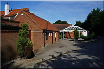 TA0225 : The Country Park Inn, Hessle Foreshore by Ian S