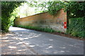 SU6181 : Boundary wall of Battle House, Battle Road by Roger Templeman