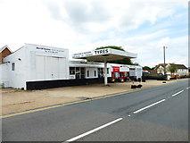 SU7167 : Business premises on Basingstoke Road by Shazz