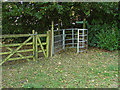 SU8872 : Footpath entrance off Church Lane by Alan Hunt