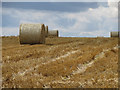 SE8291 : Harvest in and straw baled by Pauline E