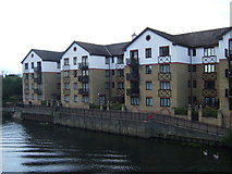 TL1998 : Apartments beside the River Nene by JThomas
