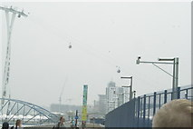 TQ3980 : View of the Emirates Air Line descending toward the Greenwich Peninsula stop by Robert Lamb