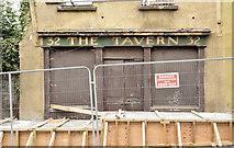 """J2664 : """"The Tavern"""", Lisburn (September 2014) by Albert Bridge"""