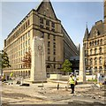 SJ8398 : Manchester Cenotaph and Town Hall Extension by David Dixon
