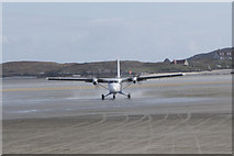 NF6905 : Aircraft taxiing at Barra Airport by Doug Lee