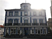 TM2532 : The Pier Hotel, Harwich by Chris Whippet