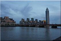 TQ3078 : Evening light on the Thames by Bill Boaden