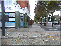 TQ2075 : Pavement on East Sheen Avenue by David Howard