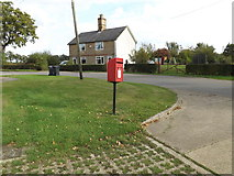 TM0663 : Tyrell Oak Postbox by Adrian Cable