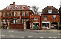 SU0061 : Chan Cottage and Brownston House, Devizes by Jaggery