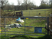 SP0874 : Entrance to a paddock off Tanners Green Lane, near Langabeer Farm by Robin Stott