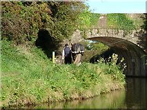 SS9712 : Approaching Tidcombe Bridge, on the Grand Western Canal, Tiverton by Ruth Sharville