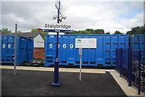 SJ9598 : End of the platform, Stalybridge Station by N Chadwick