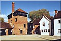 SU5258 : Drake's Brewery, Kingsclere by Des Blenkinsopp