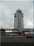 TQ0981 : Tower block by Uxbridge Road, Hayes by David Howard