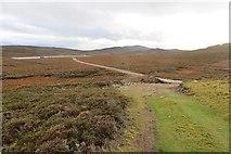NH9632 : New road, Loch an t-Sidhein by Richard Webb