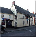 ST8026 : Red Lion, Gillingham by Jaggery