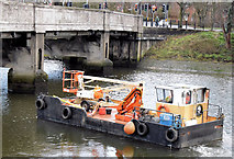 "J3371 : The ""Cuan Spirit"", River Lagan, Stranmillis, Belfast - January 2015(2) by Albert Bridge"