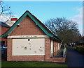 SK7953 : Beaumond Gardens, London Road, Newark, Notts. by David Hallam-Jones