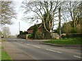 SK8804 : Junction of Lyndon Road and South View Close by The Croft, Manton by Robin Stott