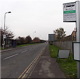 SU5290 : Station Road bus stops, Didcot by Jaggery