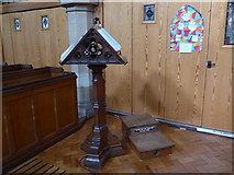 SD5095 : St Oswald, Burneside:lectern by Basher Eyre