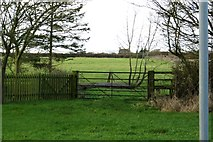 SP6517 : Gate and stile in Ludgershall by Steve Daniels