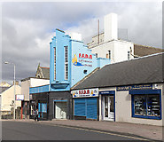 NT1893 : Bank Street, Lochgelly by William Starkey