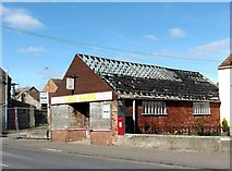 TF0920 : Derelict cake shop in Abbey Road, Bourne, Lincolnshire by Rex Needle